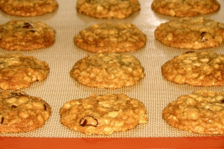 oatmeal cookies, baked, chocolate chip, chocolate chip oatmeal